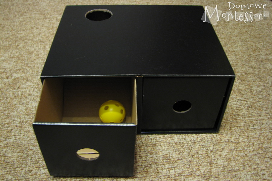 Pudełko z piłką